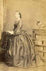 Crinolinemode omstreeks 1863.